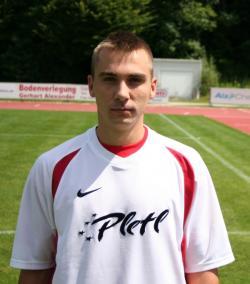 der nicht gerade große Gerely Sagi erzielte per Kopf die wichtige 1:0 Führung des VfL