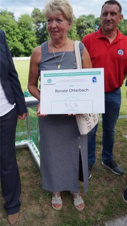 "Renate Otterbach gehört nun zum ""Club 100"" des DFB           Foto:ovb"